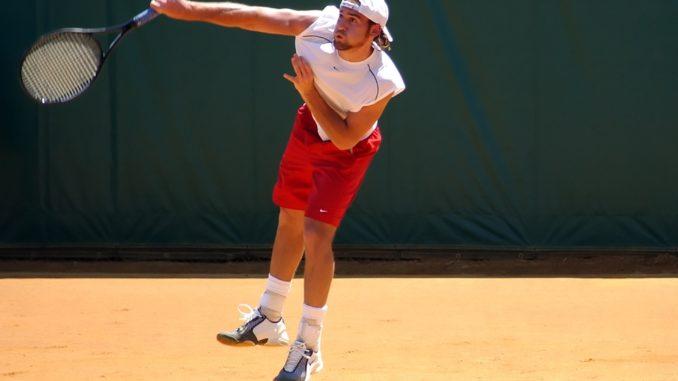 локоть теннисиста